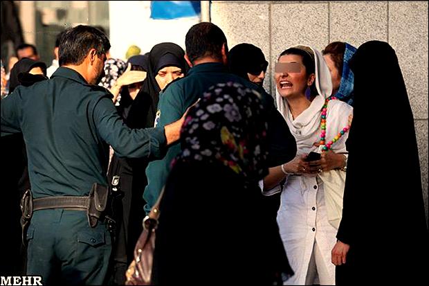 محکومیت زنان بد حجاب در معابر و انظار عمومی به حبس از ۱۰ روز تا ۲ ماه