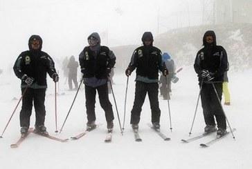استقرار پلیس اسکیسوار زن و مرد در پیستهای اسکی تهران