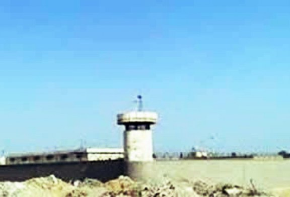 انتقال دو زندانی سیاسی به بند سه زندان زاهدان