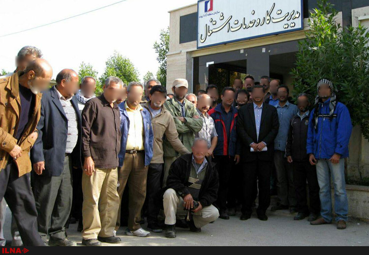 تجمع کارگران حمل و نقل پالایشگاه آبادان به روز دوم کشیده شد