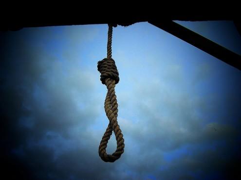 یک زندانی جهت اجرای حکم اعدام به زندان ورامین منتقل شد