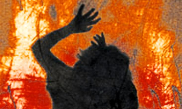 خودسوزی مرگبار زن ۳۵ ساله در نهاوند با بنزین