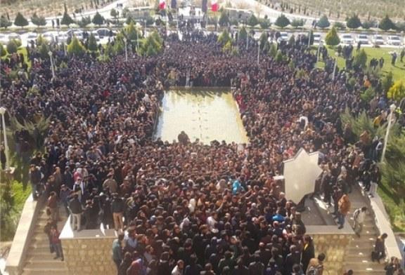 اعتراض هزار نفری دانشجویاندانشگاهآزاد نجفآباد