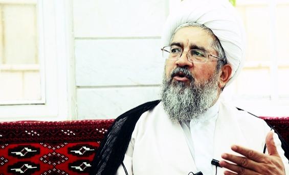وخامت حال آیت الله نکونام در زندان ساحلی قم/ عدم دسترسی به دارو و رسیدگی درمانی