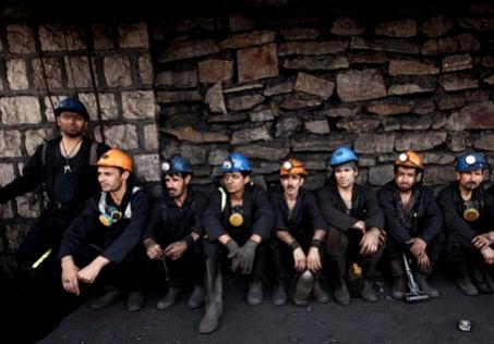۲۰۰ کارگر معدن زغال سنگ «معدن جو» اخراج شدند