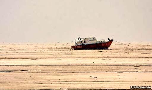 دریاچه ارومیه به پایینترین تراز از زمان شکلگیری رسید/گزارش های ضد و نقیض مسئولین