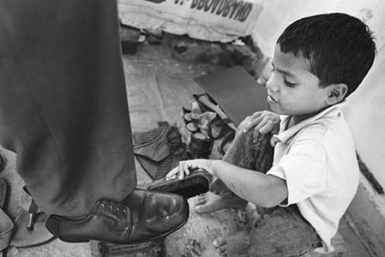 هفتاد هزار کودک خیابانی و کودک کار وجود دارد