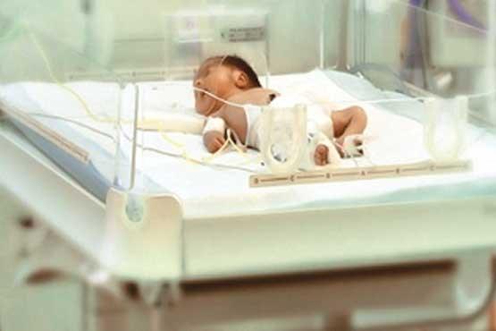 عدم تحویل نوزاد به مادر به دلیل ناتوانی در پرداخت هزینه زایمان