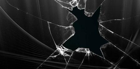 شکستن شیشه های فروشگاه یک شهروند بهایی درآق قلا