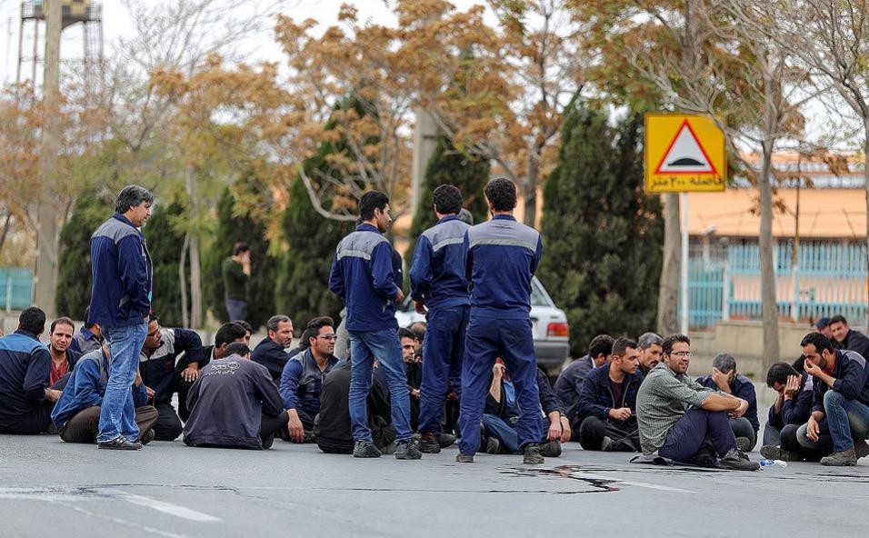 کارگران شرکت واگن پارس اراک خواستار پرداخت مطالباتشان شدند