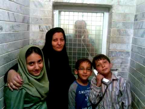بازجویی خانواده عباس لسانی در دادسرای شهرستان اردبیل