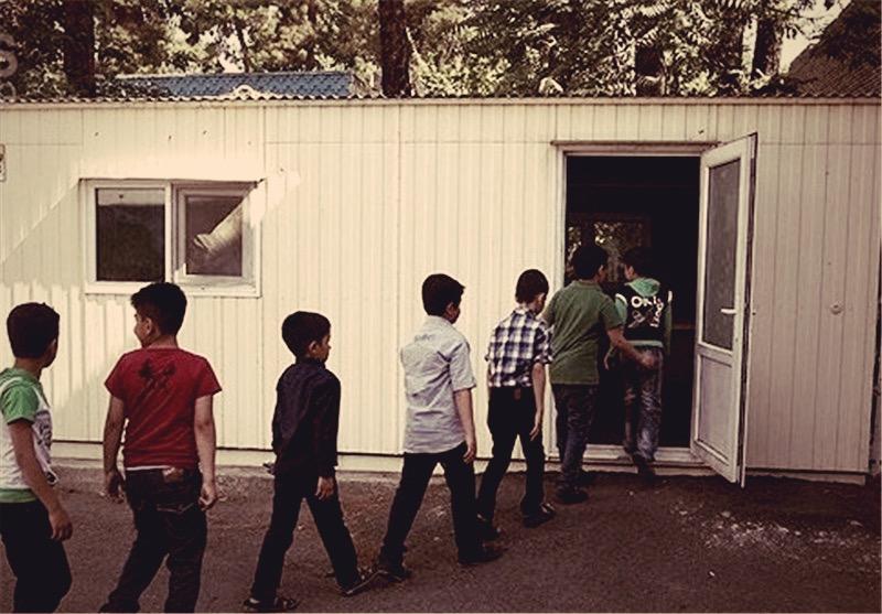دانشآموزان شش روستای شهرستان دهگلان هنوز داخل کانکس درس میخوانند
