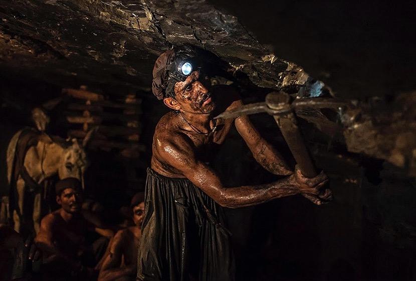 تعطیلی معادن زغال سنگ و بیکاری ۱۵۰۰ کارگر