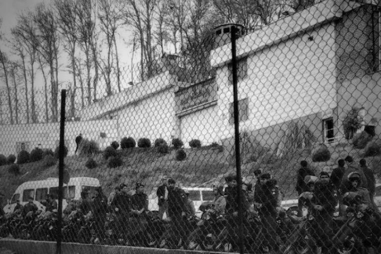 تجمع مجدد گروهی از شاگردان محمدعلی طاهری مقابل زندان اوین