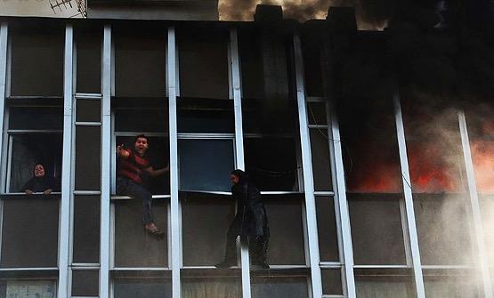 بلاتکلیفی خانوادههای کارگران کشتهشده در یک حادثه آتشسوزی