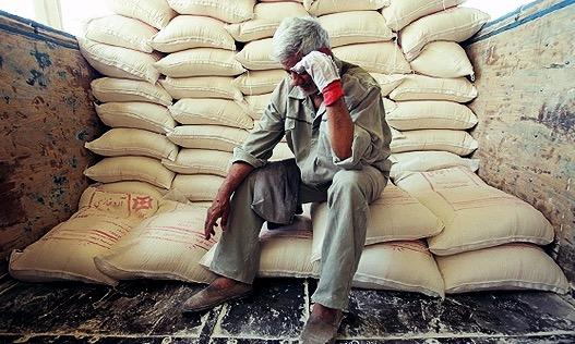 تهدید به اخراج کارگر، بهانه عدم افزایش مزد