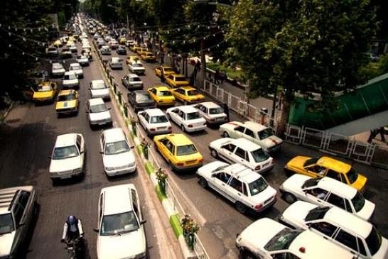 تجمع اعتراضی رانندگان شخصی مسافربر در سنندج