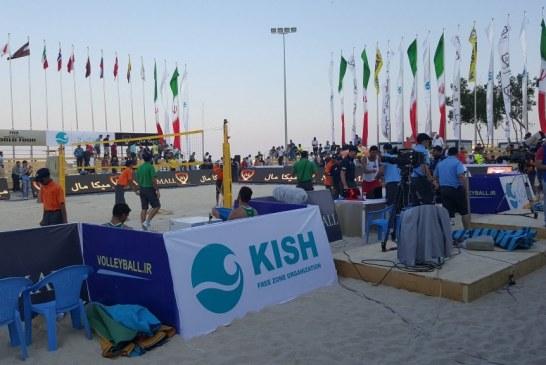 با مخالفت مقامات محلی، زنان از تماشای مسابقات والیبال ساحلی در جزیره کیش محروم شدند