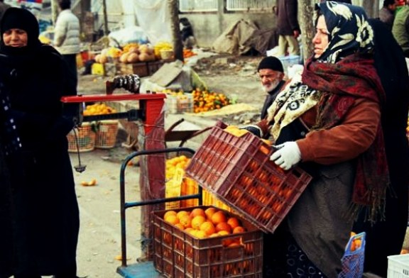 ۸۵۰ زن سرپرست خانوار در ایرانشهر