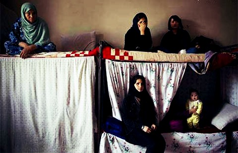 نگهداری کودکان در زندان خشونت علیه آنان است/حضور ۲۰۰ تا ۲۵۰ کودک همراه با مادر در زندان ها