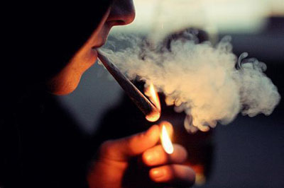 کاهش سن مصرف دخانیات به ۱۲ تا ۱۴ سال