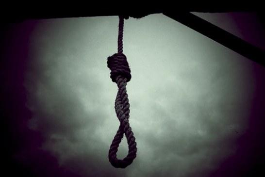 اجرای حکم اعدام در ملاعام  یک زندانی در ایلام
