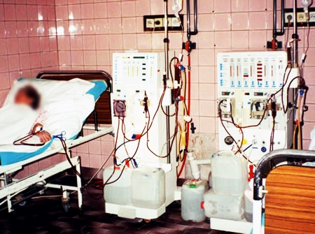 مسئول بخش دیالیز بیمارستان میناب به دلیل گلایه از کمبودها برکنار شد
