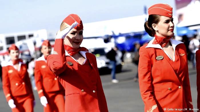 اعتراض مهمانداران زن ایرفرانس به حجاب اجباری در ایران