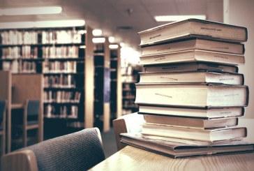 فریدون کنار از داشتن یک کتابخانه معمولی محروم است