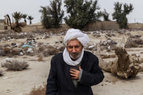 zabol-Iran-Water-sewage05-600×402