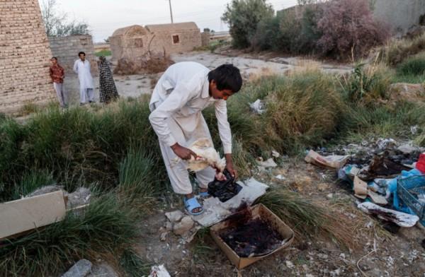 zabol-Iran-Water-sewage19-600×392