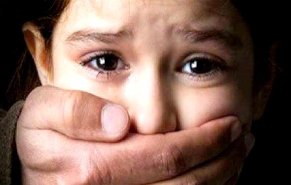 جزئیات تنبیهبدنی دانشآموزان کلالهای به خاطر مدیحهسرایی/ مسؤولان آموزش و پرورش به دنبال ساکت کردن والدین