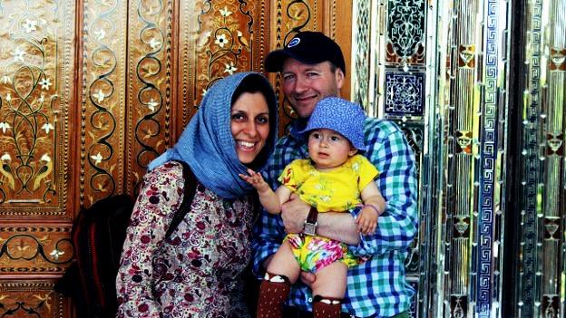 نازنین زاغری رتکلیف، شهروند ایرانی بریتانیایی در فرودگاه تهران بازداشت شده است