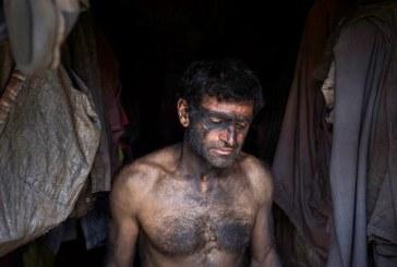 همه فصل ها گذشت و روسیاهی اش برای زغال و کارگرانش ماند / گزارش تصویری