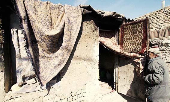 ایران در آستانه انفجار بمب بیکاران و حاشیهنشینان