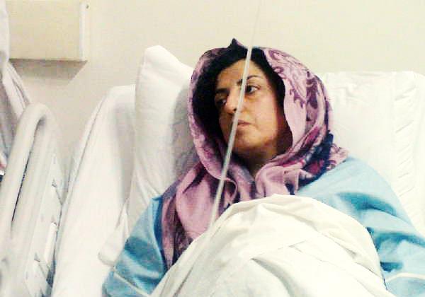 در پى خونریزى شدید؛ نرگس محمدى به بیمارستان منتقل شد