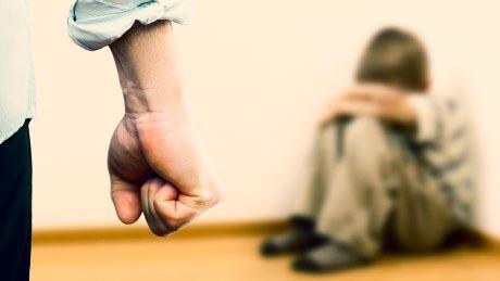 یک قاضی دادگستری: مجازات فرزندکشی در ایران بازدارنده نیست