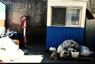 """ماجرای کارگری که سه سال در یک """"کیوسک"""" محبوس است"""