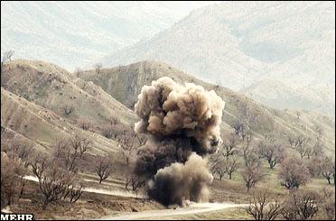 انفجار مین در قصرشیرین؛ راننده بولدوزر تیم پاکسازی دچار موجگرفتگی شد