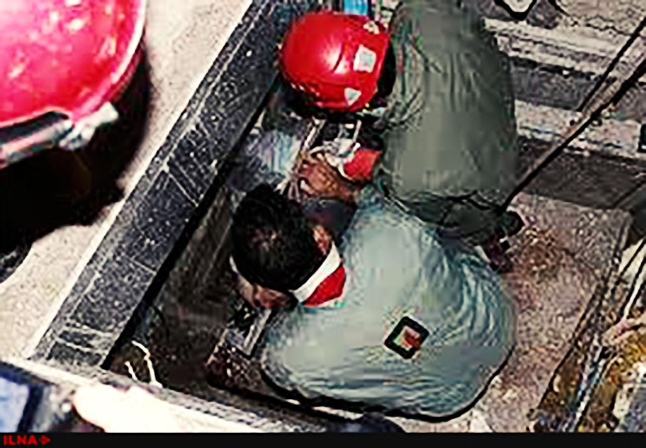 مصدومیت شدید یک کارگر بر اثر سقوط در چاله آسانسور