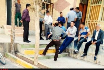 تجمع کارگران شهرداری لوشان مقابل ساختمان شهرداری