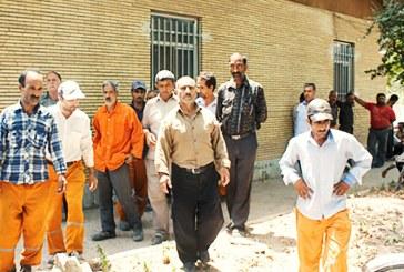کارگران شهرداری لوشان سه ماه مزد طلب دارند/برخی حتی توان مالی خرید یک قرص نان را هم ندارند