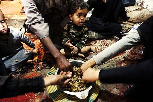یک متخصص تغذیه: ۵۰ میلیون ایرانی غذای نامناسب می خورند