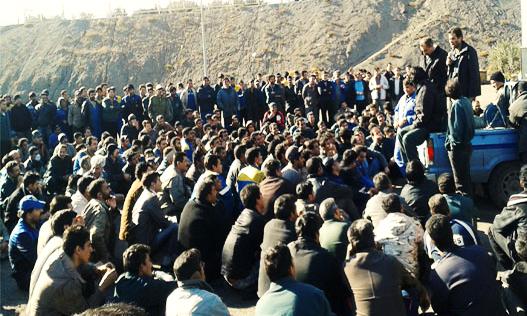 ۱۲۰۰ تن از کارگران معدن چادرملو خواستار بازگشت لایحه تغییر قانون کار از مجلس به دولت شدند