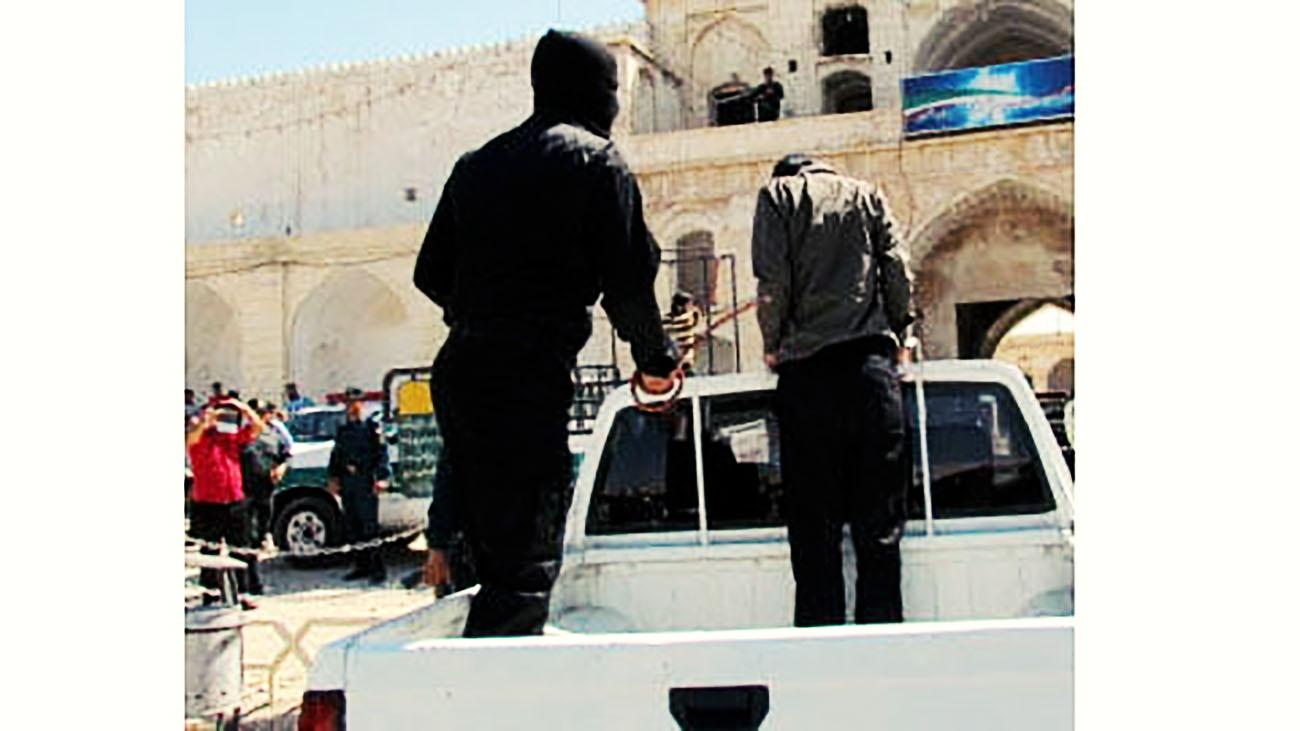 اجرای حکم شلاق در ملاءعام دو جوان در استان بوشهر