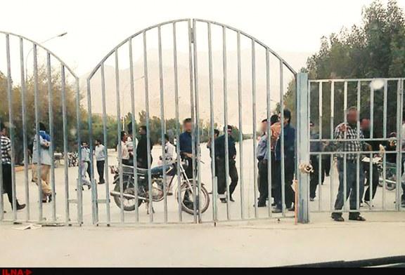 تجمع کارگران سیمان دشتستان مقابل درب کارخانه