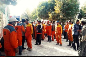 تجمع همزمان کارگران شهرداری در بروجرد و آبادان