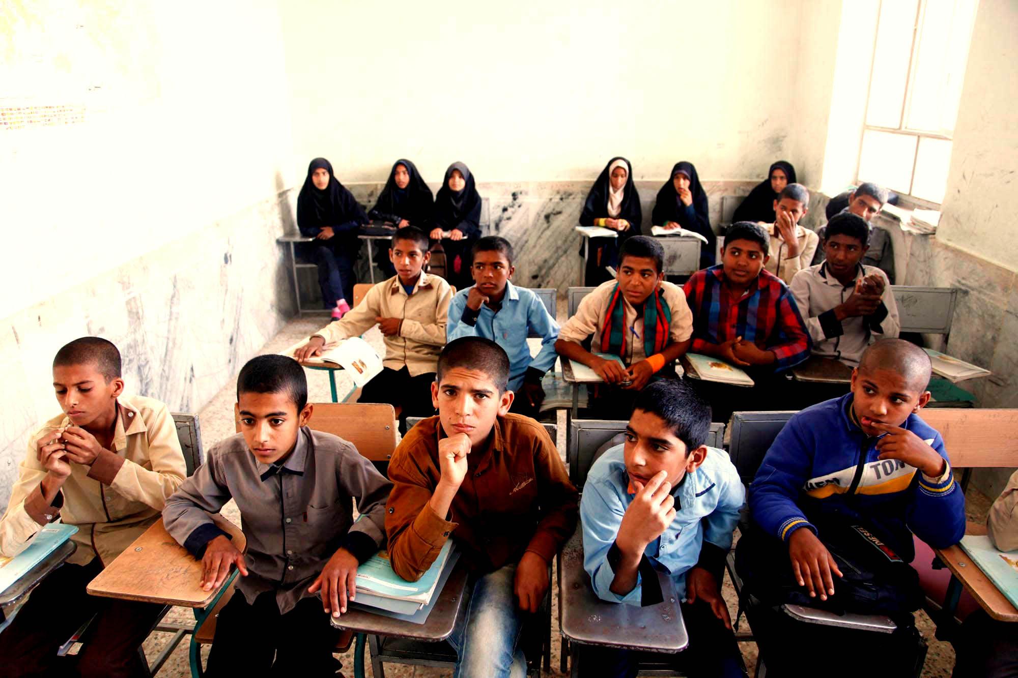 مدارس جنوب کرمان بخاری ندارند/ سیلی سرد زمستان برصورت دانشآموزان