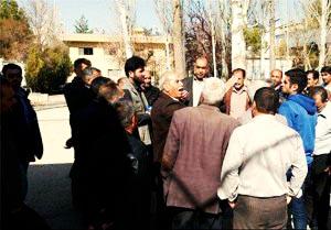انتظار کارگران سیمان مسجد سلیمان برای دریافت معوقات مزدی