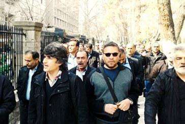 تجمع اعتراضی رانندگان شرکت واحد در مقابل شهرداری